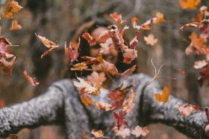 Ganzheitliche Hautpflege im Herbst